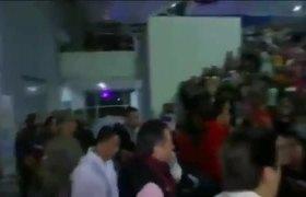 Cuitláhuac es abucheado al llegar a la inauguración de la pista de hielo en Xalapa