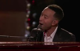 The Voice USA 2019: John Legend and Kelly Clarkson Take on a Holiday Classic - Live Top 10 Eliminations 2019