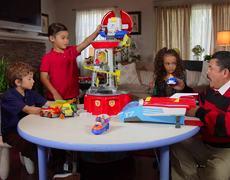 JKL: Guillermo AMA estos juguetes - Patrocinado por Paw Patrol
