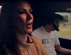 """""""La Chiquis"""" Rivera y Edith Márquez con Escorpión Dorado al volante en Texas!"""