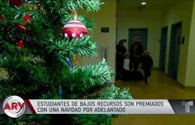 El Piolín sorprende a niños de bajos recursos con regalos de Navidad