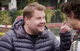 The Late Late Show: Harry Styles da un concierto a media calle