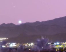Caught on video a huge UFO over Las Vegas moving over 1 000 km / h