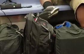 #VIDEO: Este 'gamer' no abandona su Xbox ni para viajar en metro