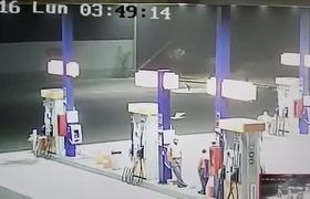 Caught on Video alleged alien at gas station in Peru