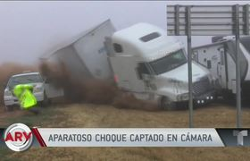 Images of the moment when a truck crashes with several vehicles
