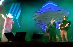 Brazilian singer Juliano Cezar dies in full concert