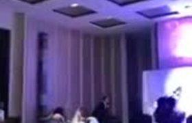 Un hombre expone infidelidad de su novia a la mitad de su boda | Al Rojo Vivo | Telemundo