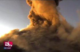 LO ÚLTIMO: Volcán #Popocatépetl lanza material incandescente
