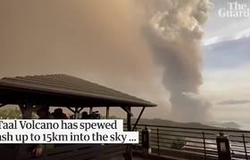 Taal volcano: lightning and giant plumes of smoke with 'explosive eruption' forecast