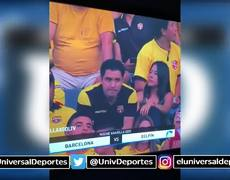 Kiss Cam exposes infidels during the Yellow Night of the Barcelona of Guayaquil