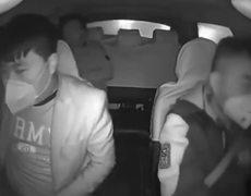 #VIRAL: Shocking video: Taxi driver kicks out #coronavirus passenger