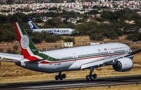 Migrantes mexicanos podrían participar de rifa de avión presidencial de AMLO | Telemundo