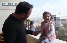 """We will laugh when the bomb falls """"; in the midst of bombing, the Syrian father teaches his daughter to laugh"""