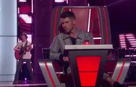 Kevin Farris Sings with Nick Jonas After Performing Johnnyswim's