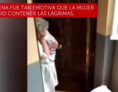 Abuelita en cuarentena recibe felicitación de cumpleaños
