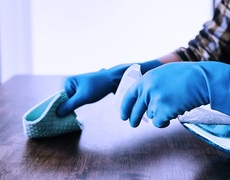 Coronavirus: how to avoid contaminating clothes and not bringing the virus home