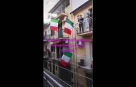 TikTok : Gente canta tema de Rihanna en los balcones