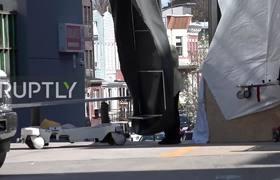 Camion refrigerador transporta fallecidos por coronavvirus en NYC