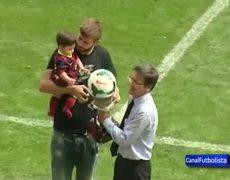 Piqué Shakira y su hijo Milan con la Supercopa de España 2013