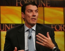 AOL CEO Tim Armstrong Fires Employee in Front of 1000 Workers for Taking Photo