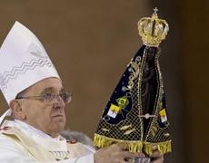 Papa Francisco oficia misa en el Santuario de Aparecida en Brasil