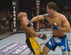 Anderson Silva gets KO out by Chris Weidman UFC