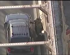 Abandoned Van Closes Brooklyn Bridge