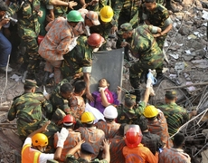 Miracle They find woman alive 17 days after building collapse in Bangladesh