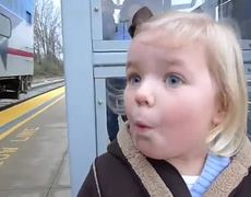 Cute Girl in Train for The First Time Original Video VIRAL