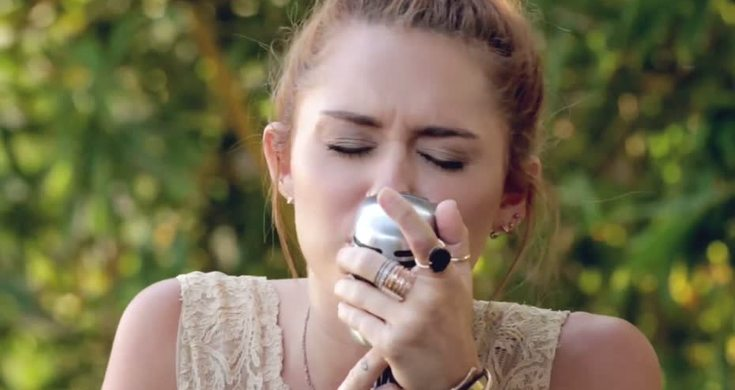 Miley Cyrus Jolene The Backyard Sessions Live - Videos ...