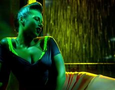 Alicia Keys ft Nicki Minaj Girl On Fire Inferno Version Official Music Video