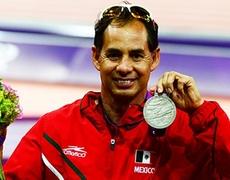 El corredor mexicano Salvador Hernández ganó plata en 100 metros en los Juegos Paralímpicos