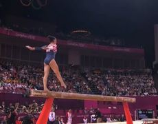 London 2012 Aly Raismans Balance Beam Routine USA Team Win Gold Medal