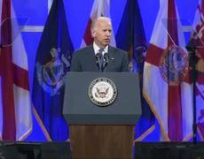 Joe Biden defiende al presidente Obama