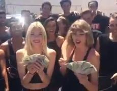 Taylor Swift Ice Bucket Challenge