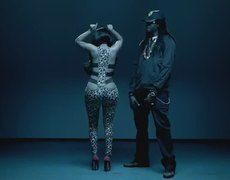 Nicki Minaj ft 2 Chainz Beez In The Trap Explicit Official Music Video