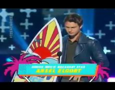 2014 Teen Choice Awards Ansel Elgort wins