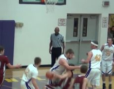Flagrant foul nocalls at basketball game goes viral
