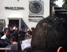 Exigen justicia por Ayotzinapa en El Salvador