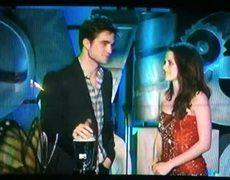 Robert Pattinson Kisses Taylor Lautner MTV Movie Awards 2011