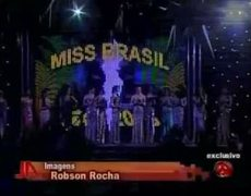 Miss gay Brasil gets her wig mugged on TV