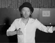 Thom gets down to