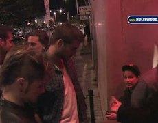 Liam Hemsworth Las Palmas 120110 YT