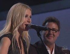 Gwyneth Paltrow - Country Strong - CMA Awards 2010