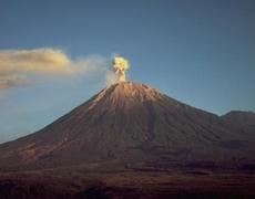 Volcano Eruption: Indonesia village residents ignore warnings