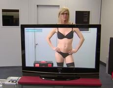 X Ray TV Reveals Sexy Girl in Lingerie Prank