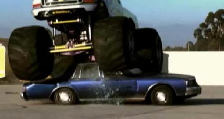 BOOM! - Monster Truck VS Cop Car - Videos - Metatube
