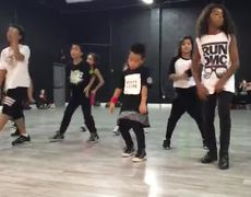 Child dance style Bruno Mars
