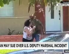 Scandal - U.S. deputy marshal smashes woman's cell phone
